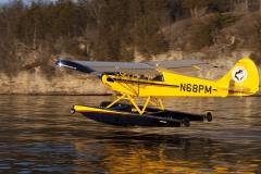 Aviat Husky A1B on Wipline 2100 Floats