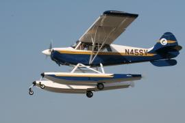 Aviat Husky A1C on Wipline 2100 Floats