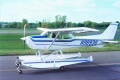 Cessna 172 on Wipline 2100 Floats