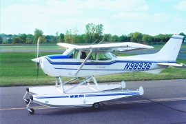 Cessna 172 on Wipline 2100 Floats
