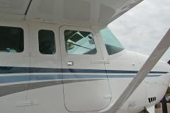 Cessna 206 Co-Pilot Door Closed