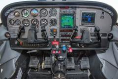 Avionics-Cessna-182