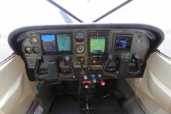 Cessna-182-Avionics