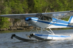 Super Cub on Wipline 2100 Floats