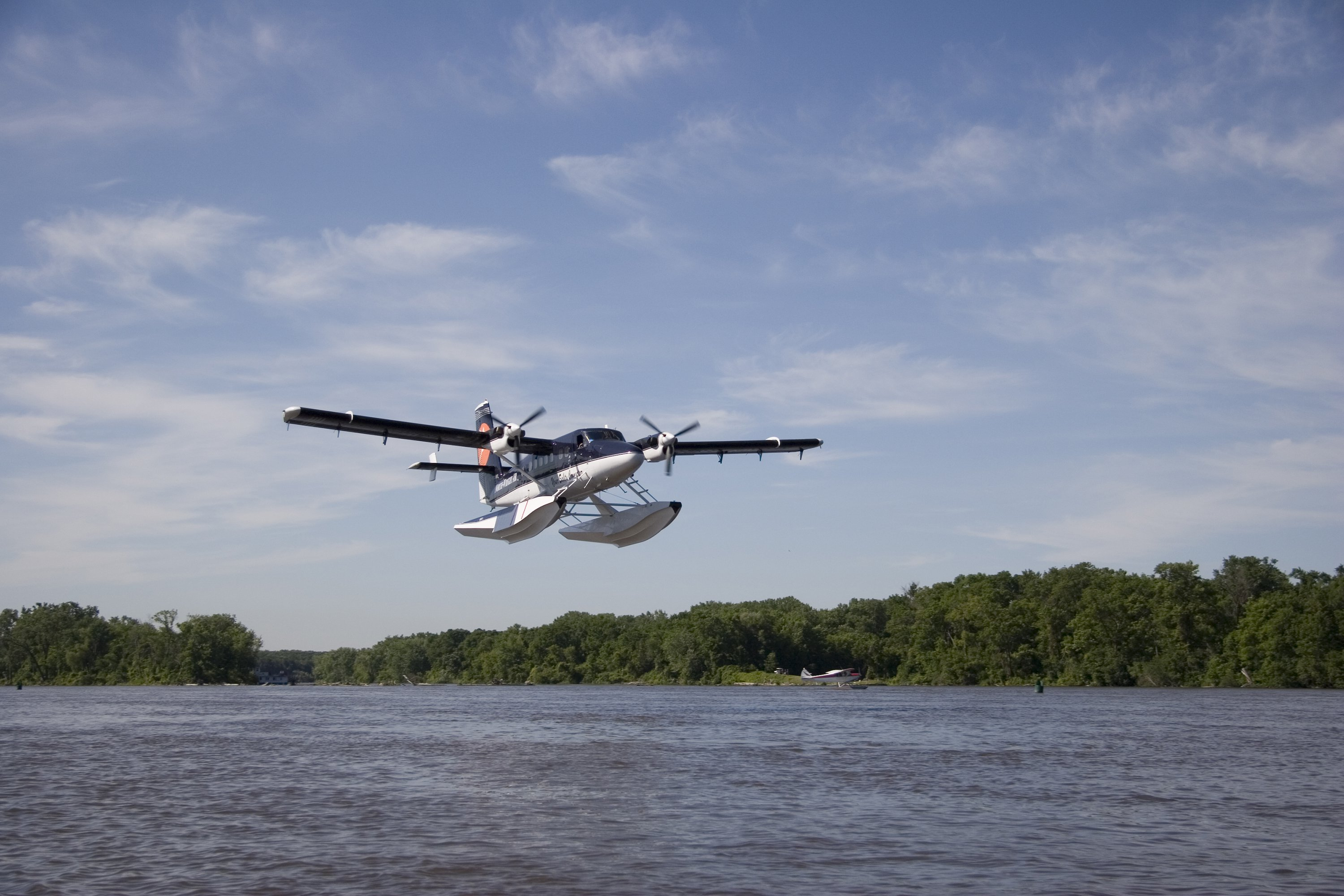 De Havilland Twin Otter on Wipline 13000 Floats