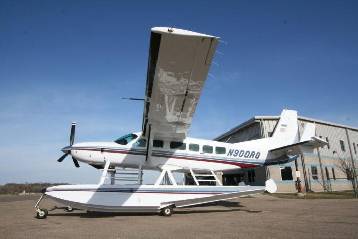 1998 cessna caravan amphibious wipaire  inc Cessna Caravan On Floats Cessna 208 Amphibian Plane