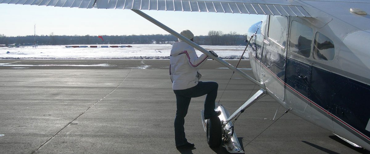 Cessna 180 on AirGlide C3000 Skis