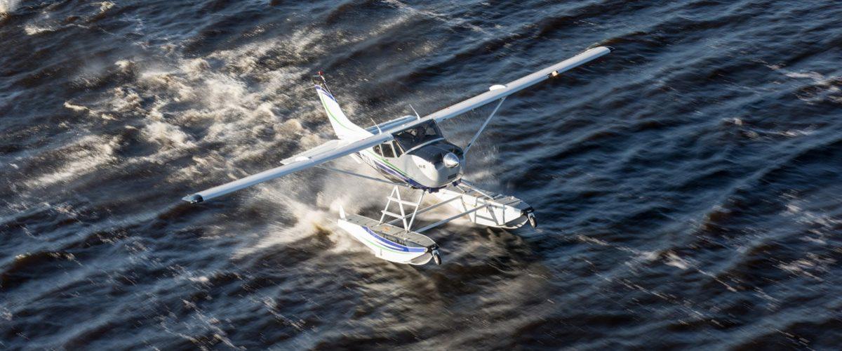 Cessna 182 on Wipline 3000 Floats