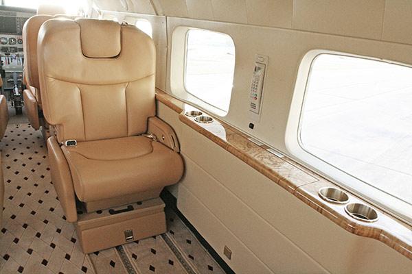 Cessna-208B-With-Aurora-Interior-05-slideshow