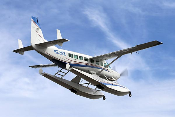 Cessna-Grand-Caravan-on-Wipline-8750-Floats-4-slideshow
