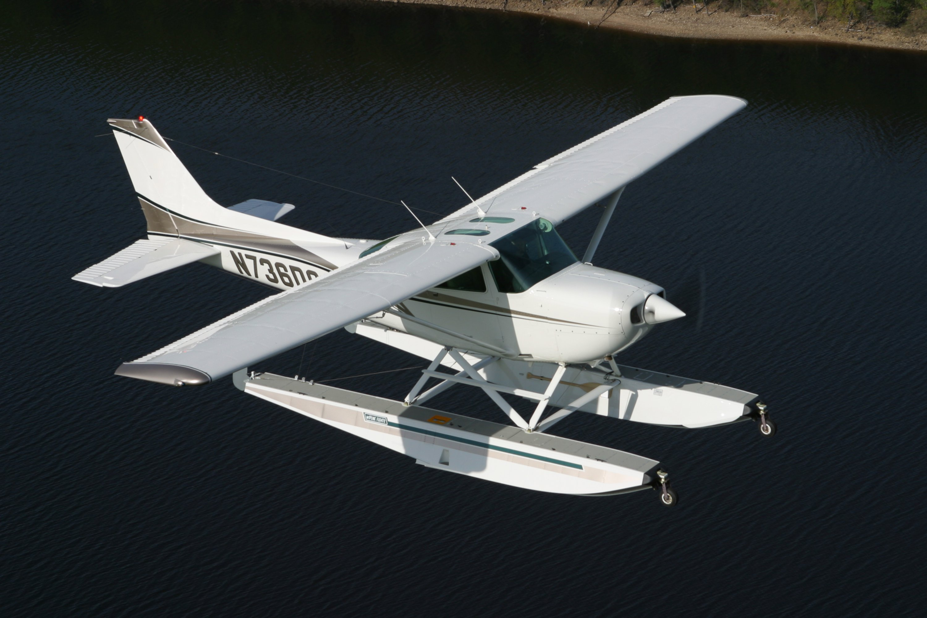 Cessna 172 on Wipline 2350 Floats